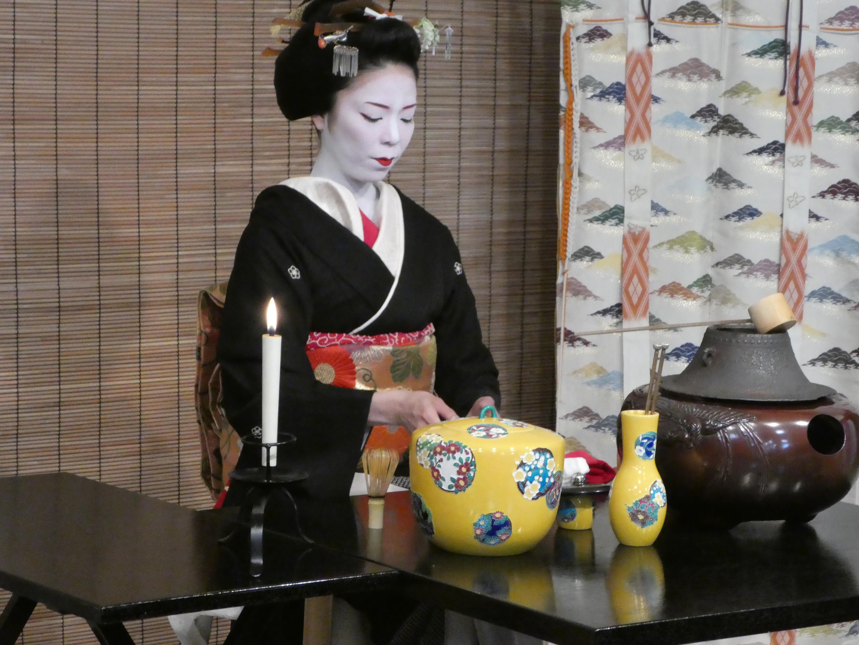 はじめての京都の祇園甲部歌舞会の『都をどり』