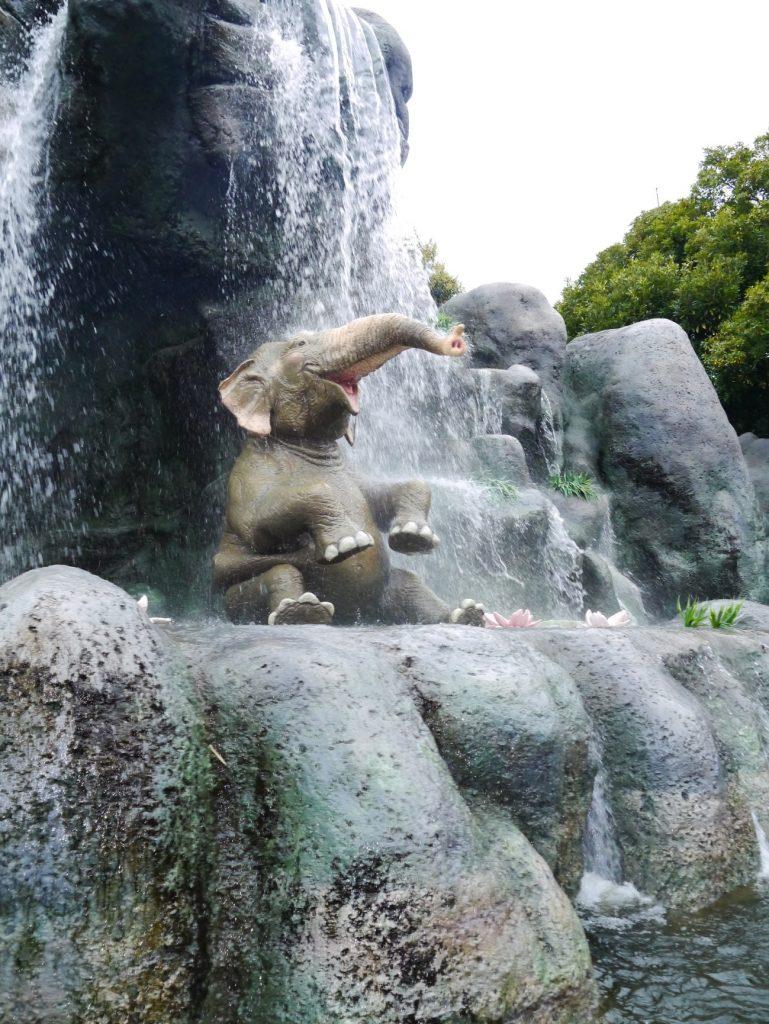 『東京ディズニーランドの乗り物たち』前編 (16)