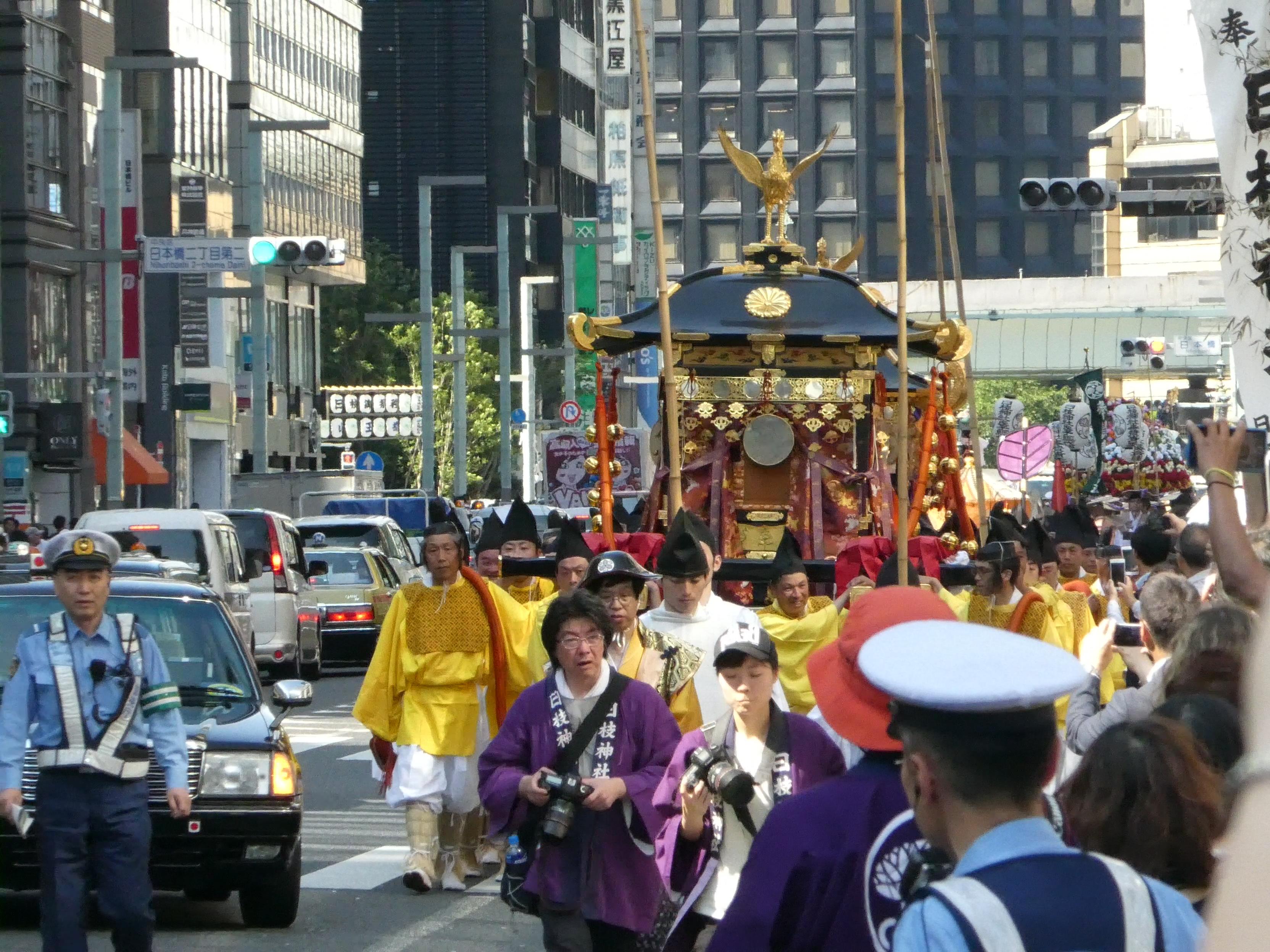 東京都千代田区永田町の「日枝神社」の山王祭で『祭礼行列・神幸祭』を観ました。