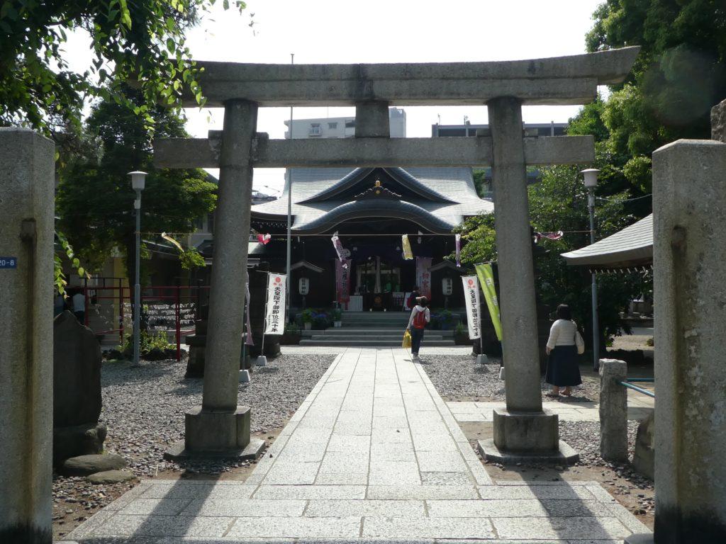 東京都大田区大森北の『磐井神社』で5月限定の御朱印をいただきました。